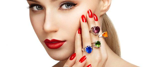 Semijoias com pedras naturais e cristais: saiba um pouco mais