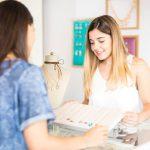 Mostruário de joias: entenda a importância da vitrine do seu negócio
