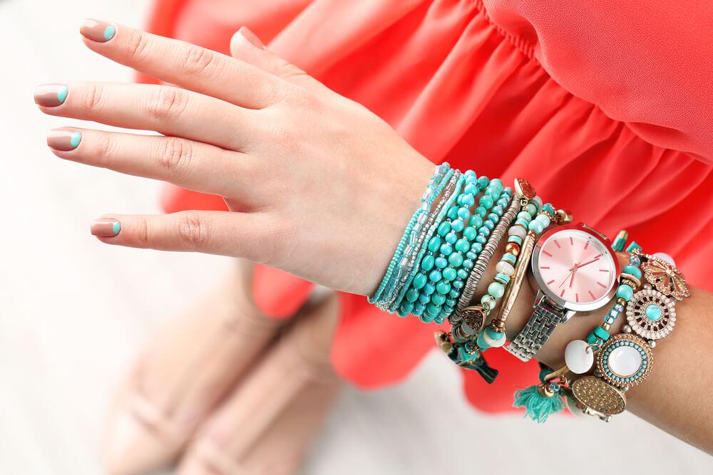 f5eeb0f68e6 6 dicas de como usar pulseiras com relógio
